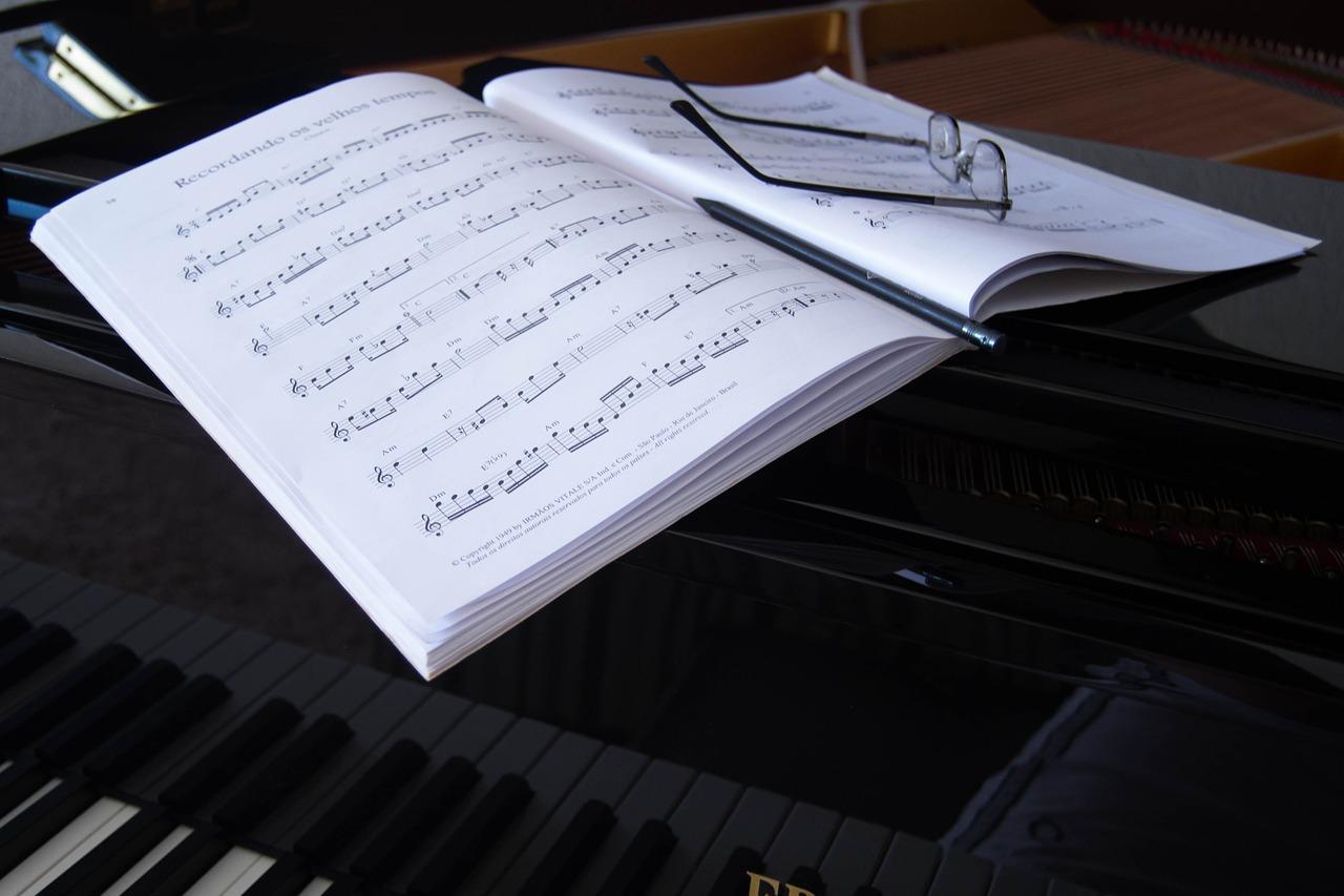 Bermain Judi Online Sama Seperti Memilih Buku Musik